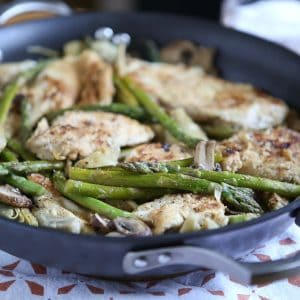 This Lemon Pepper Chicken with Artichokes, Mushrooms and Asparagus is a quick, one-pot healthy meal! Recipe via aggieskitchen.com