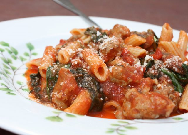 Whole Wheat Penne with Sausage, Spinach and Tomatoes - hearty, healthy comfort food! recipe via aggieskitchen.com