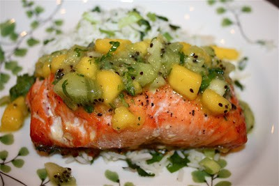 Cedar Plank Grilled Salmon with Tropical Fruit Salsa - fresh, easy salmon recipe for the grill!