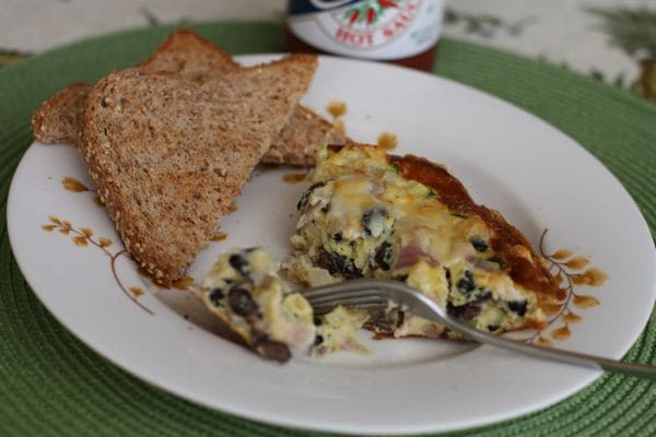 A healthy Garden Black Bean Frittata that help jump start your day or have it for lunch. Filled with protein from eggs, beans and veggies. Delicious meal!
