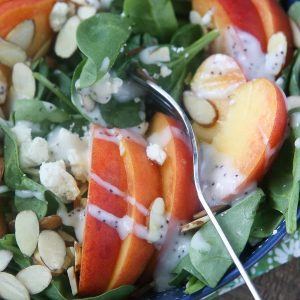 spinach salad with peaches almonds gorgonzola
