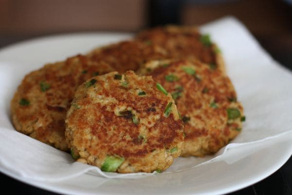 A classic and easy recipe for salmon cakes that comes together in minutes. Serve these salmon cakes with lemon and a green salad for a light dinner. Recipe via aggieskitchen.com