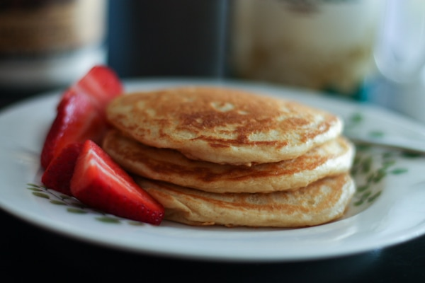 Orange-Vanilla-Greek-Yogurt-Pancakes-recipe-2