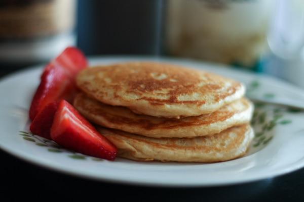 Orange-Vanilla-Greek-Yogurt-Pancakes-recipe-2