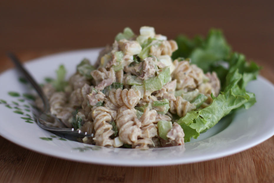 Creamy-Tuna-Pasta-Salad-With-Greek-Yogurt-Recipe-Aggie's-Kitchen-2