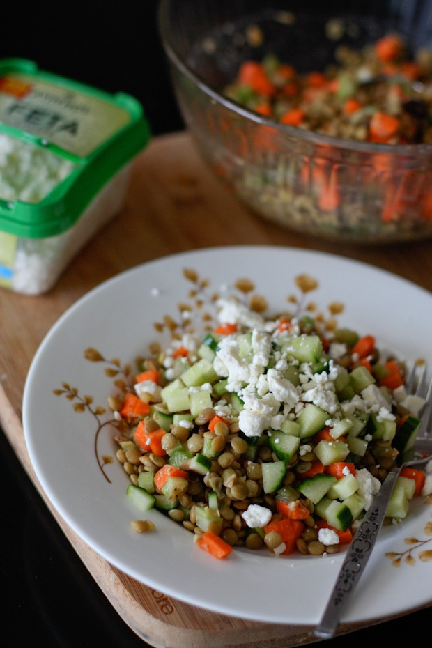 This Mediterranean Lentil Salad is a light but protein packed cold lentil salad full of Mediterranean flavors and crunchy veggies. A great vegetarian meal!