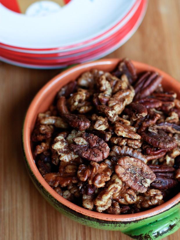 Gingerbread Spiced Nuts | www.aggieskitchen.com