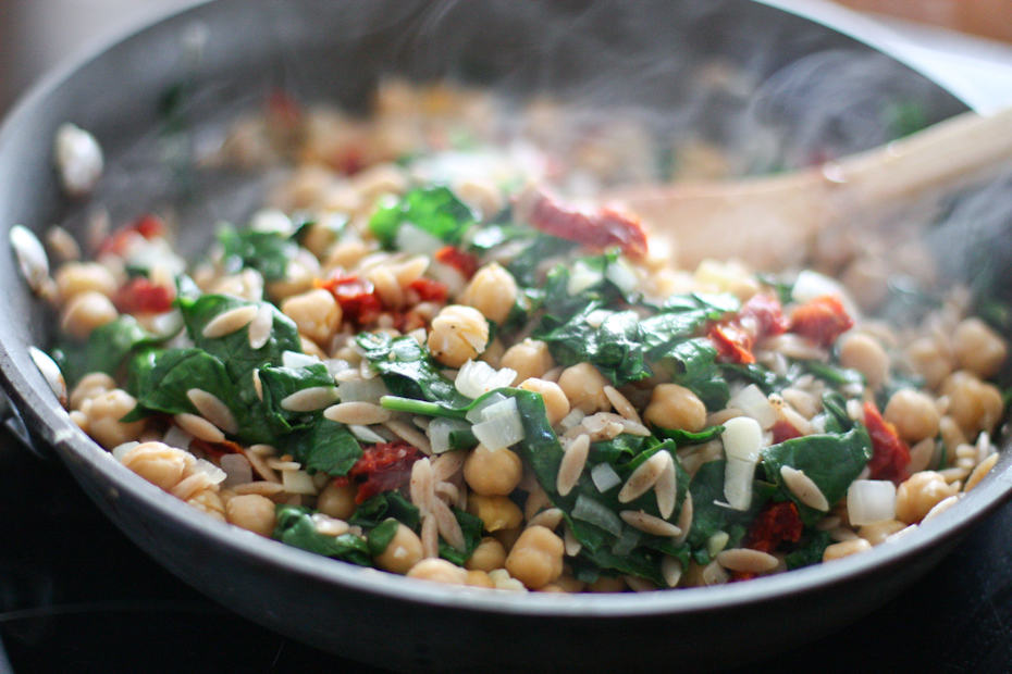Skillet Orzo with Spinach, Chickpea and Lemon | aggieskitchen.com