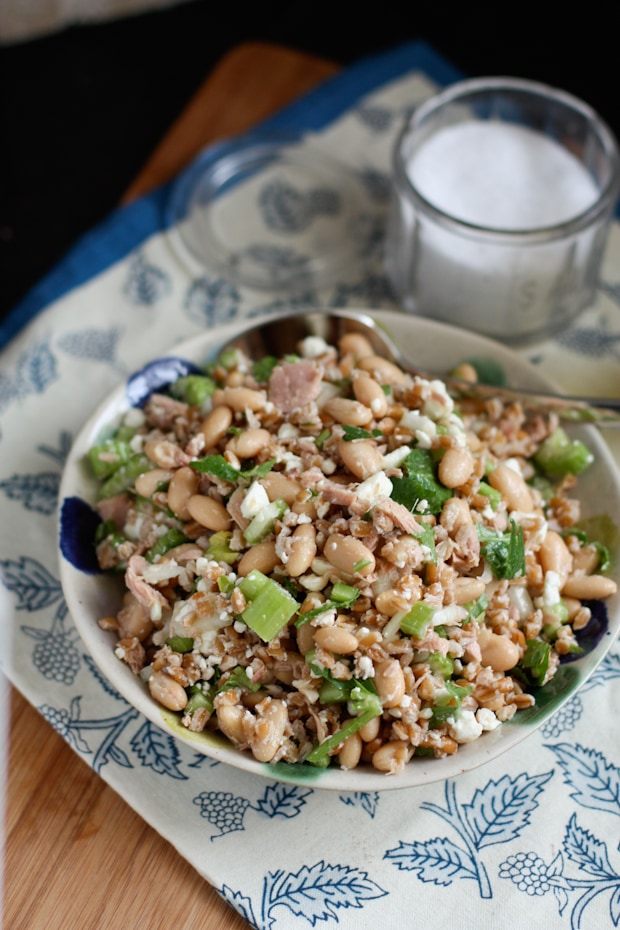 Italian Tuna and White Bean Farro Salad | Aggie's Kitchen