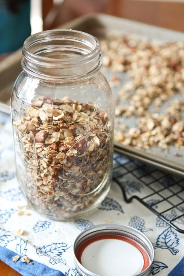 Honey Almond Flax Granola || Aggie's Kitchen