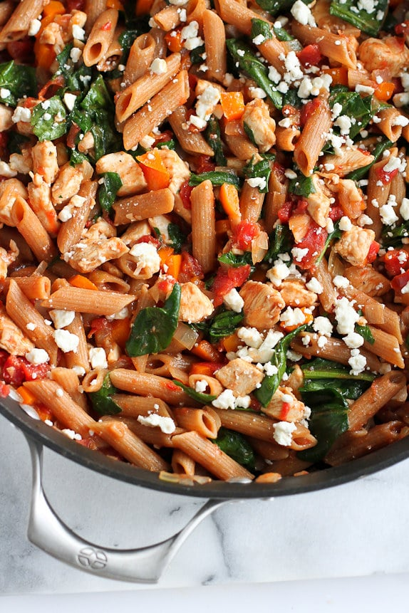 One-Pot Whole Wheat Pasta with Chicken & Spinach | CookinCanuck.com