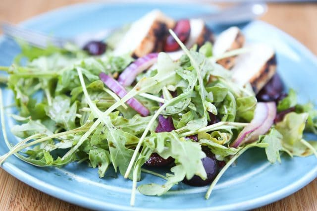 Grilled Chicken with Cherry Arugula Salad - a perfect summer meal. Light, low carb and filled with fresh flavor. Recipe via aggieskitchen.com