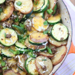 This Cheesy Southwest Beef and Potato Skillet dinner is a lifesaver for weeknights! Recipe via aggieskitchen.com