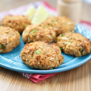 Cajun Baked Salmon Cakes - great for lunches or dinner. I love making these for meal prep and having them ready all week. Recipe via aggieskitchen.com