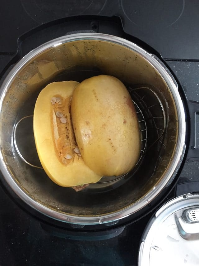 How To Cook Spaghetti Squash in an Instant Pot - Aggie's Kitchen